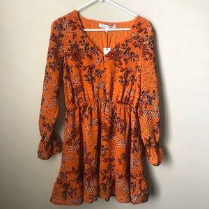 Cupcakes & Cashmere boho dress. Orange floral NWT